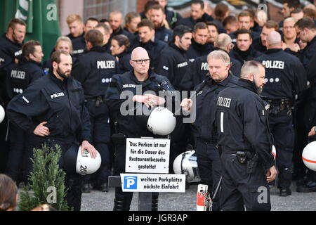 Police officers at the 'Welcome to Hell' demonstration against the G20 summit in Hamburg, Germany, 6 July 2017. - Stock Photo
