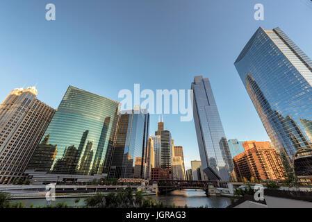 Chicago skyline< IL, USA - Stock Photo