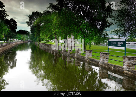 Montreal,Canada,8 July,2017.The Lachine Canal on a cloudy and rainy day. Credit:Mario Beauregard/Alamy Live News - Stock Photo
