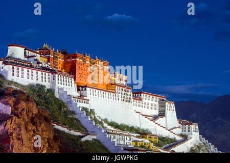 Potala palace,Tibet,China - Stock Photo