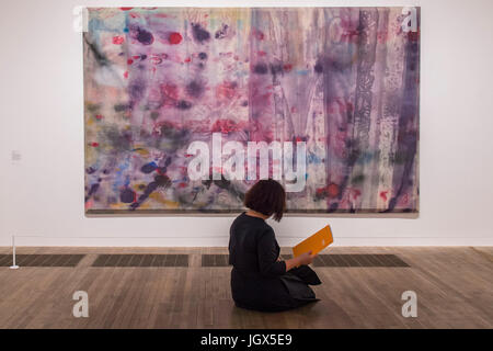 London, UK. 11th Jul, 2017. April 4 by Sam Gilliam - Soul of a Nation: Art in the Age of Black Power, Tate Modern's - Stock Photo