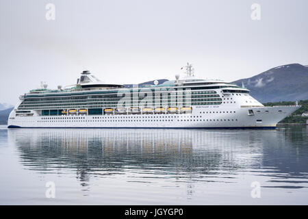 SERENADE OF THE SEAS inbound Alesund, a Radiance class cruise ship, that is owned and operated by Royal Caribbean - Stock Photo