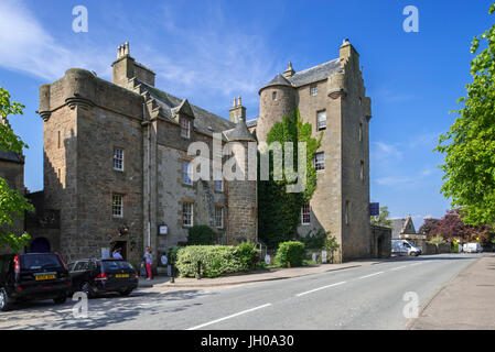 Dornoch Castle hotel, former home of the bishops of Caithness, Sutherland, Scottish Highlands, Scotland, UK - Stock Photo