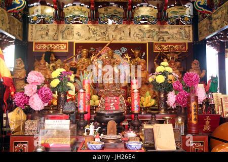 Yu Huang Gong Temple of Heavenly Jade Emperor. Taoist Pantheon.  Singapore. - Stock Photo
