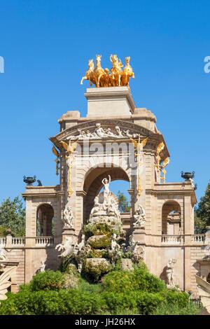 Triumphal arch and Cascada fountain in the Parc de la Ciutadella, Barcelona, Catalonia (Catalunya), Spain, Europe - Stock Photo
