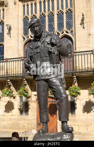 Durham Light Infantry memorial on Market Square in Durham City, England. - Stock Photo