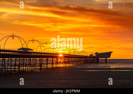 Southport, Merseyside, 12th July 2017. UK Weather.  After a glorious days weather over the north west of England, - Stock Photo