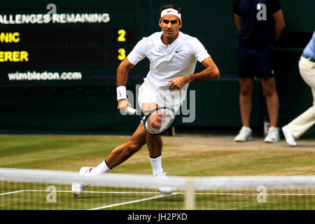 London, UK. 12th July, 2017. Wimbledon Tennis: London, 12 July, 2017 - Roger Federer during his quarter final victory - Stock Photo