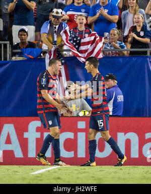 Tampa, Florida, USA. 12th July, 2017. United States forward Jordan Morris (8) scores and celebrates in the 2nd half - Stock Photo