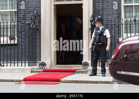 London, UK. 13th July 2017. The King of Spain, Felipe VI, leaves 10 Downing Street after a meeting with British - Stock Photo