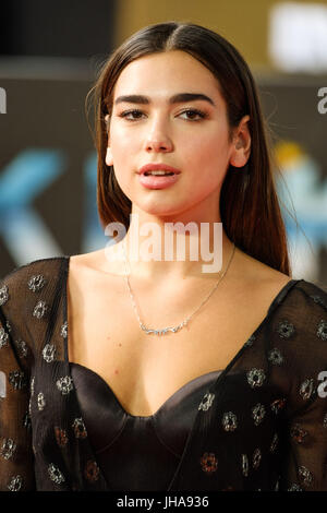 London, UK. 13th July, 2017. Dua Lipa at World Premiere of DUNKIRK on Thursday 13 July 2017 held at ODEON Leicester - Stock Photo