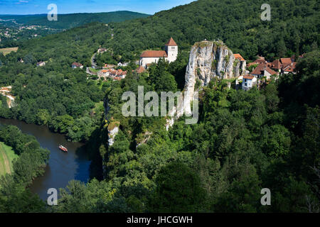 Fluvial tourism on the Lot River in Saint Cirq Lapopie, The Lot, France. - Stock Photo