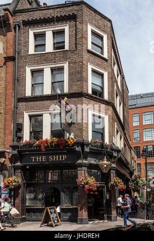 The Ship, a small public house in Wardour Street, Soho, central London. - Stock Photo