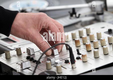 dj mixing lp vinyl records - Stock Photo