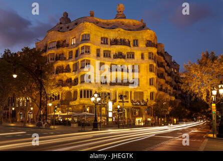 Barcelona Catalunya Barcelona spain La Pedrera Barcelona Casa Mila Barcelona casa mila night by architect Antoni - Stock Photo