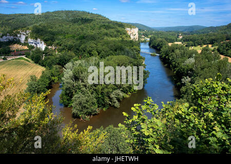 Fluvial tourism on the Lot River between Saint Cirq Lapopie and Bouzies, The Lot, France. - Stock Photo