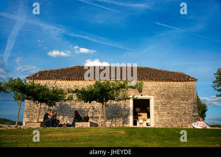 Domaine de L'Isle Basse Hotel, Lieu dit Isle Basse, Route des Isles, Fontanes, Grand Cahors, Quercy, Midi-Pyrenees, - Stock Photo