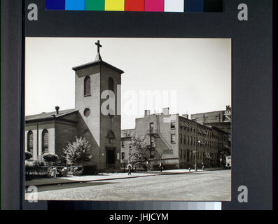 St. Luke's Chapel and Old Houses, Hudson, corner of Grove, Manhattan (NYPL b13668355-482648) - Stock Photo