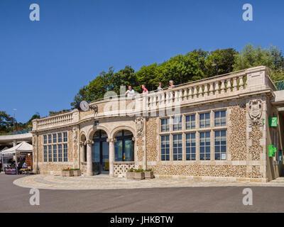 1 July 2017: Lyme Regis, Dorset - The Jubilee Pavilion on the Lyme Regis, Dorset, promenade, now a visitor information - Stock Photo
