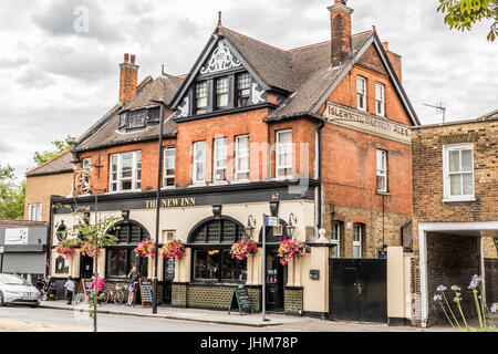 Exterior of The New Inn pub in Ealing, London W5, England, UK. - Stock Photo