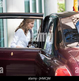 London, United Kingdom Of Great Britain And Northern Ireland. 14th July, 2017. Queen Letizia visits the Francis - Stock Photo
