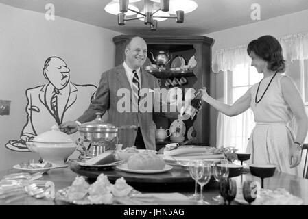 Charles Saxon, cartoonist for the New Yorker, at home in 1967 - Stock Photo