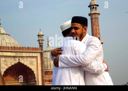 smiley muslim single men Are you a single muslim, dating in canada and looking for a future where faith meets love try elitesingles and meet marriage-minded singles with us.