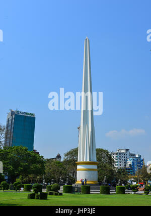 Yangon, Myanmar - Feb 13, 2017. Independence Monument at Mahabandoola park in Yangon, Myanmar. Yangon, formerly - Stock Photo