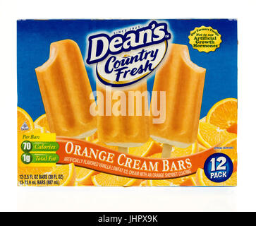 Winneconne, WI - 15 July 2017: A boxof Dean's Country Fresh orange cream bars on an isolated background. - Stock Photo