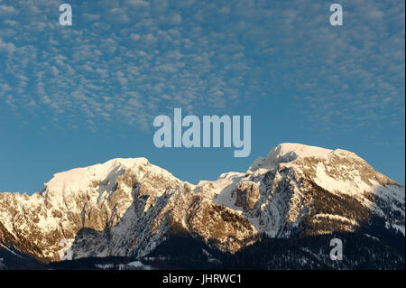 High G?ll 2.522 m (on the left) and high board 2.338 m in the Berchtesgadener country., Hoher Göll 2.522m (links) - Stock Photo