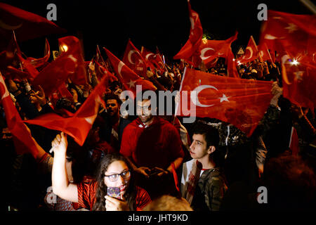Berlin, Germany. 15th July, 2017. Participants of a memorial event regarding the coup attempt in Turkey of the previozs - Stock Photo