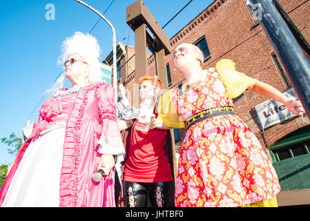 Philadelphia, USA. 15th July, 2017. Defiance at the guillotine. Credit: Christopher Evens/Alamy Live News - Stock Photo