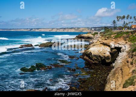 La Jolla Cal9ifornia shoreline andcliffs - Stock Photo