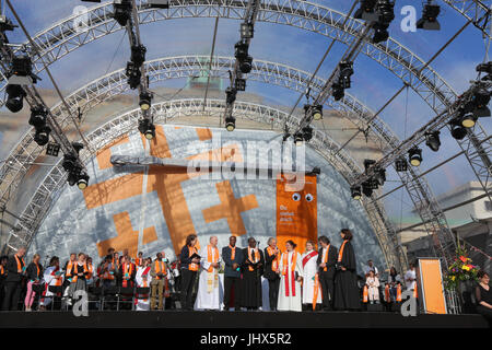 Berlin, 24th May 2017: Opening of the 36th German Protestant Church Congress 2017 in front of the Brandenburg Gate - Stock Photo