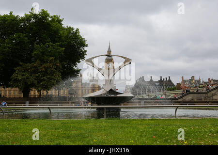 London, UK. 16th July, 2017. UK Weather: View of Big Ben on an overcast but with some sunny spells in the capital. - Stock Photo