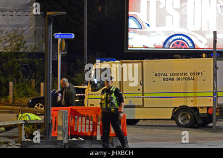 Bristol, UK. 16th July, 2017. Breaking in the last 20mins army bomb squad arrive at the scene of an incident on - Stock Photo