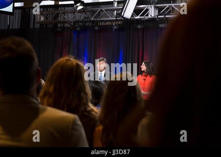 Seattle, Washington, USA. 17th July, 2017. Candidate and state senator Bob Hasegawa speaks at the 2017 Seattle Mayoral - Stock Photo
