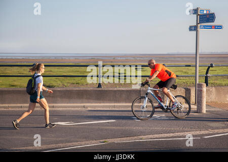 Southport, Merseyside.  UK Weather.  18th July, 2017. Sunny start to the day at the coast with a forecast of higher - Stock Photo
