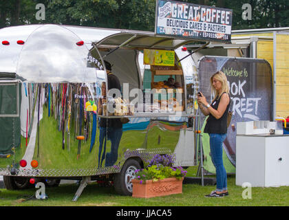 Knutsford Cheshire, UK. 19th July, 2017. Great coffee bar at Tatton Park Flower show. Credit; MediaWorldImages/AlamyLiveNews - Stock Photo
