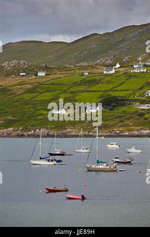 The coastline along the Strand at Derrynane House, in the Ring of Kerry, County Kerry, southwest Ireland. - Stock Photo