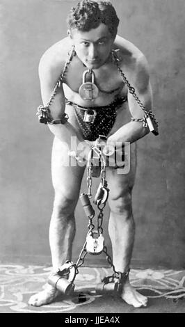 HARRY HOUDINI (1874-1926) Hungarian-American  escapologist in 1899 - Stock Photo
