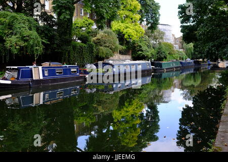 Lifestyle changes made by living in house boats on the Regents Canal near the Islington Tunnel, a hidden and very - Stock Photo