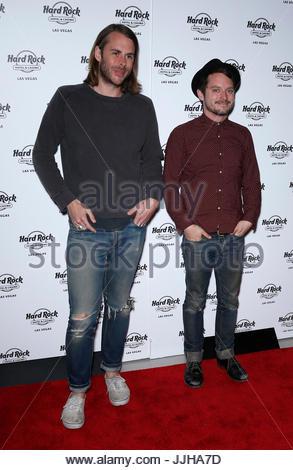 Wooden Wisdom: Elijah Wood and Zach Cowie perform a live ...