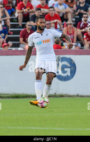 Richmond, Virginia, USA. 19th July, 2017. The Swan's defender KYLE BARTLEY (27) passes the ball during the first - Stock Photo