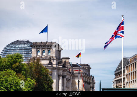 Berlin, Germany, 19th July 2017.   The Duke and Duchess of Cambridge, aka Prince Will and Princess Kate, paid a - Stock Photo