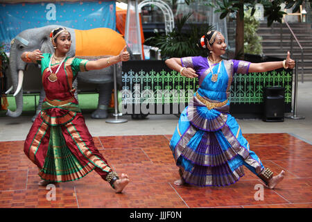 London, UK. 20th Jul, 2017. Devonshire Square in the city is the location for this festival that marks the UK-India - Stock Photo