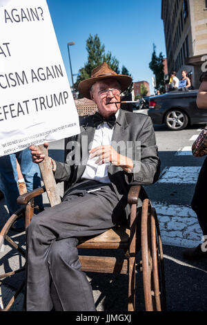 protestors, fake candidates, and vendors at the Trump rally in Portland, Maine on Aug 4, 2016 - Stock Photo