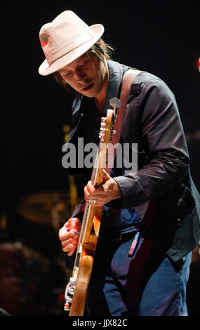 Simon Jones Verve performing 2008 Coachella festival Indio. - Stock Photo