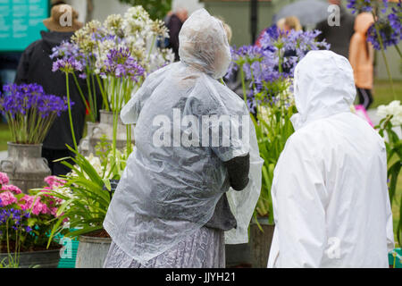 Knutsford Cheshire, UK.  21st July, 2017. UK Weather. Heavy rain, and prolonged showers expected, for Ladies Day - Stock Photo