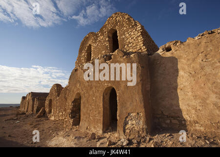 Tunisia, Ksour Area, Debbab, Ksar Ouled Debbab, abandoned ksar building - Stock Photo